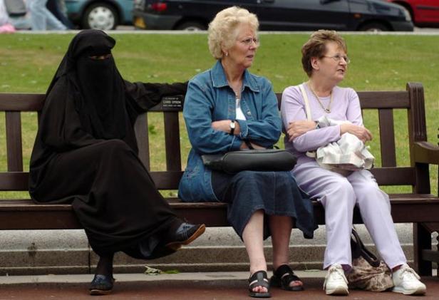 burqa bench